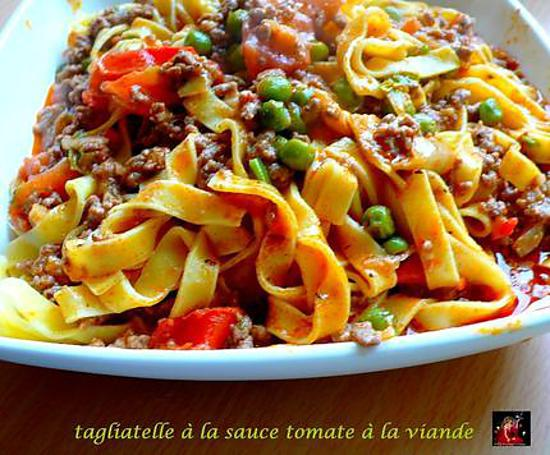 recette de tagliatelle la sauce tomate et viandes. Black Bedroom Furniture Sets. Home Design Ideas