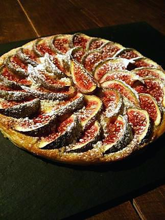 recette de tarte fine aux figues et cr me d 39 amandes. Black Bedroom Furniture Sets. Home Design Ideas