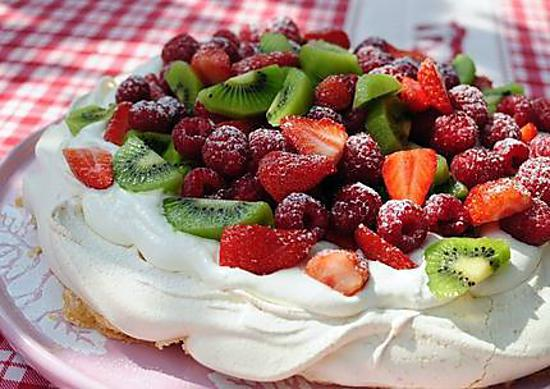 recette de pavlova gateau de meringue. Black Bedroom Furniture Sets. Home Design Ideas