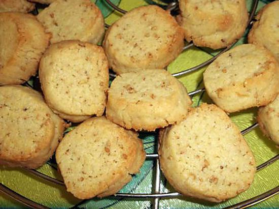 recette de petits biscuits aux graines de s same et farine d 39 peautre. Black Bedroom Furniture Sets. Home Design Ideas
