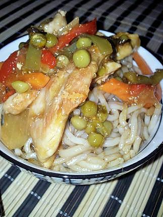 recette Ramen au poulet et ses légumes sautés sauce cantonnaise