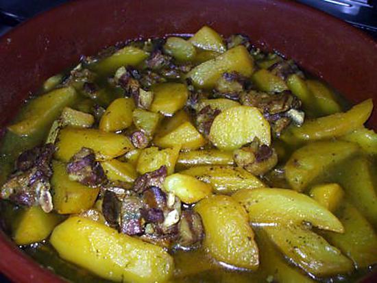 recette Tajine d'agneau parfumé aux épices... accompagné de Pomme de Terre moëlleuses...( Sans ail ni oignon ). Un vrai délice pour ces journées de grand froid...