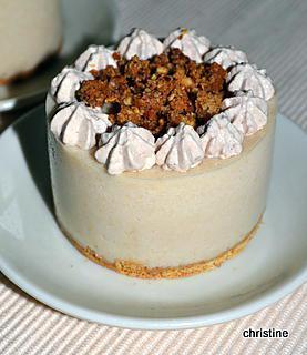 recette Entremets poires à la chantilly au chocolat au lait et crumble noisettes