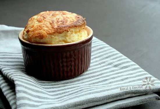 recette de souffl s au fromage recette conseil et. Black Bedroom Furniture Sets. Home Design Ideas