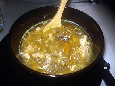 recette de soupe chinoise au poulet par voyagedansmacuisine. Black Bedroom Furniture Sets. Home Design Ideas
