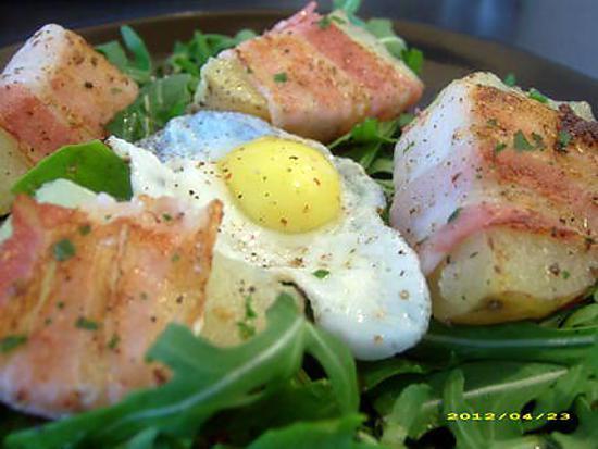 recette roquette aux potatoes lardées et oeufs de caille