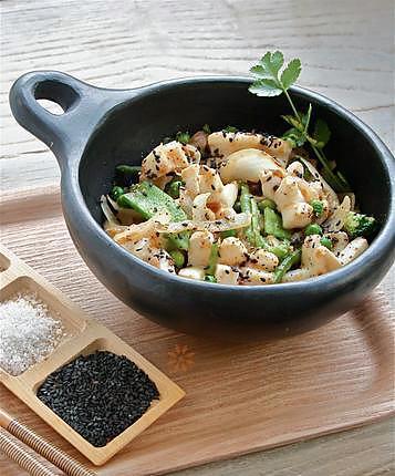 recette Encornet / calamar sauté poivre & sel
