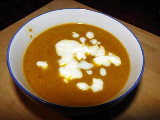 recette de soupe de carottes et pommes au curry. Black Bedroom Furniture Sets. Home Design Ideas