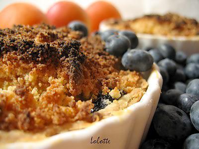 recette Tartelettes abricots et myrtilles à cardamome, streusel fondant aux amandes