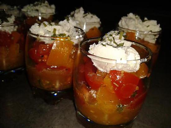 recette verrine idéal pour lapéro: tomates-poivrons et chévre