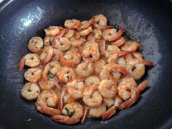 recette Poêlée de crevettes provençales flambées au wishky