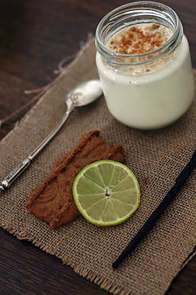 recette Yaourts au lait de chèvre, vanille, citron vert et miettes de Spéculoos