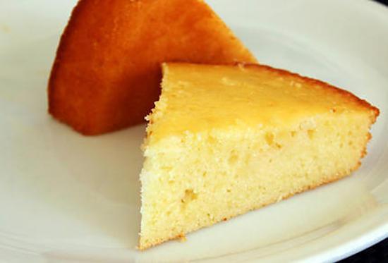 Faire un gâteau au yaourt avec son enfant
