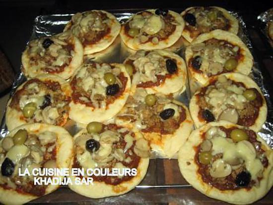 recette de mini pizzas au poisson et aux crevettes. Black Bedroom Furniture Sets. Home Design Ideas