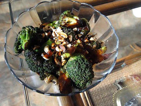 recette de broccoli l 39 ail au beurre et aux noix de cajou. Black Bedroom Furniture Sets. Home Design Ideas