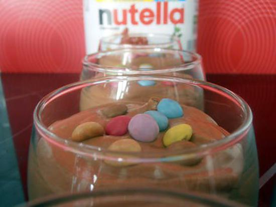 recette de mousse au nutella mascarpone et mini smarties. Black Bedroom Furniture Sets. Home Design Ideas