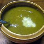Soupe de légumes et aux fanes de carottes.cocotte minutes.