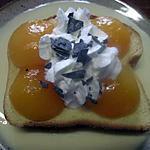 recette Radeau de brioche aux abricots, sur une  crème  Anglaise.