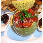 Verrine de guacamole et tomates