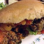recette sandwich aux boulettes de viande en sauce sukiyaki