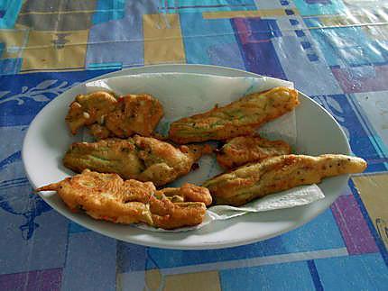 Pain de salade multicolore et beignets de fleurs de courgettes 430