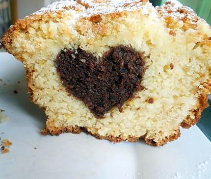 recette de cake au yaourt au coeur chocolat. Black Bedroom Furniture Sets. Home Design Ideas