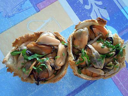 Salade et petits paniers de pain de mie 430