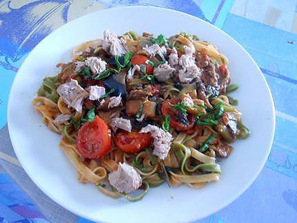 Tagliolini courgettes aubergines et thon 430