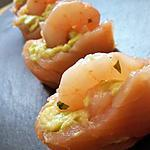 Sushi de saumon à l'avocat et crevettes