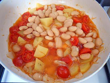 Ragoût d'haricots aux oeufs 430