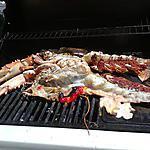 homard grillé au barbecue et sa petite sauce