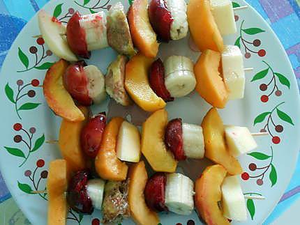Brochettes de fruits miel et noisettes (spiedini di frutta miele et nocciole) 430