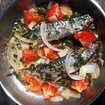 recette Maquereaux à la poêle aux tomates et oignons nouveaux