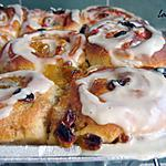 Cinnamon buns with icing