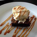 recette Brownie, glace vanille et caramel au beurre salé