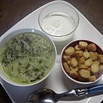 recette Soupe à l'oseille à la crème fraiche aux croutons ailés.