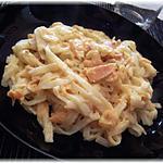 recette Quand la Chine rencontre l'Inde: vermicelles de riz au saumon et crevettes épicés au curry tandori