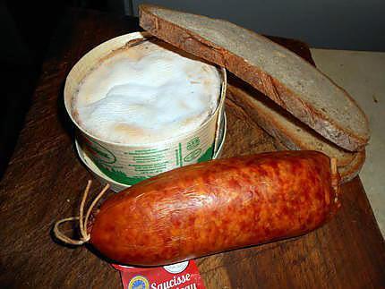 Recette de fondue vacherin mont d or et saucisse de morteau - Mont d or preparation ...