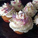 Mini Cupcake framboise topping chocolat blanc