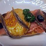 recette Petits pains de saumon aux oeufs sur le plat.