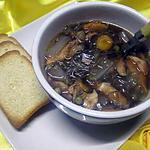 Soupe aux légumes. saumon rose. vermicelle de soja.