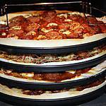 recette pizzas apirivrais/saucisses Montbéliard, boursin ail et fines herbes/saucisses Montbéliard