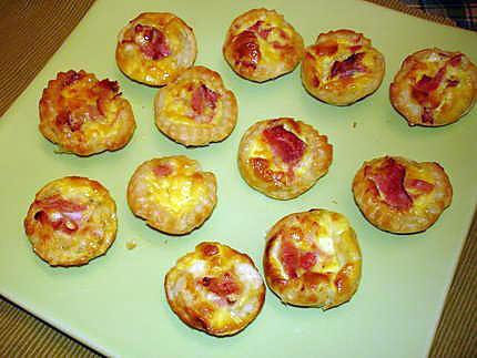 recette de mini tartelette au jambon cru et fromage raclette. Black Bedroom Furniture Sets. Home Design Ideas
