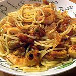 recette Spaghettis aux fruits de mer, à l'ail et aux tomates