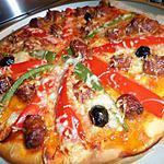 Pizza au merguez et poivrons