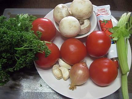 recette de sauce tomates aux champignons et c leri au micro ondes. Black Bedroom Furniture Sets. Home Design Ideas