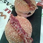 recette hamburgers géants et lard grillé