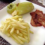 Piment farci, bacon, frites