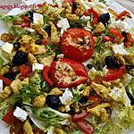 Salade voyageuse (tomate provençale, feta, dinde madras, légumes braisés)