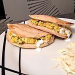 recette Pains pitas aux oeufs brouillés et aux herbes